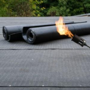 dakonderhoud en aanbrengen bitumen dakbedekking